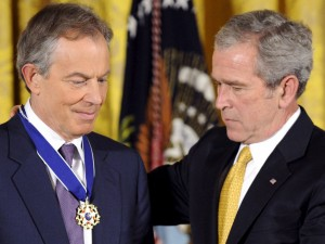Traitor Tony Blair receives the Congressional Gold Medal of Honour from George 'Dubya' Bush