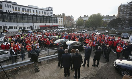 Image of Postal workers rally