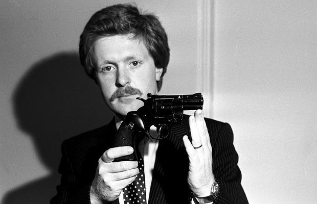 Twat Ian Blair with a gun