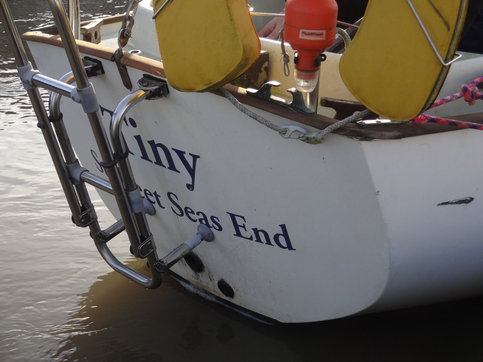 Image of potentially lethal boat repeatedly sold as totally seaworthy on ebay UK