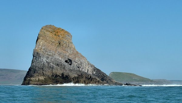 Image of Worm's Head (snagged from the web)